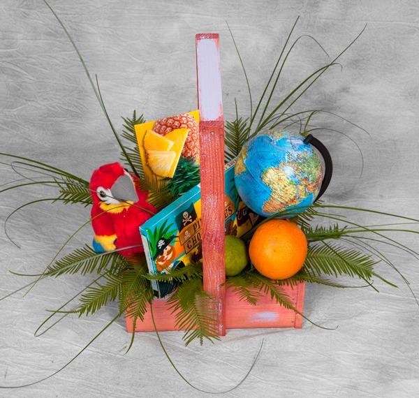 Фото композиции из цветов в ящике на 1 сентября