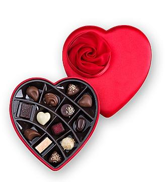 Коробка шоколада Godiva в форме сердца (13 конфет в коробке)