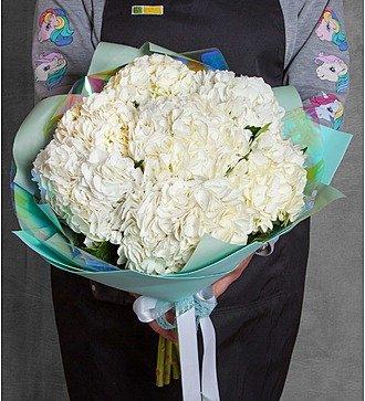 Букет белой гортензии (5, 7 или 9)