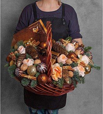 """Подарочная корзина """"Корица и шоколад"""""""
