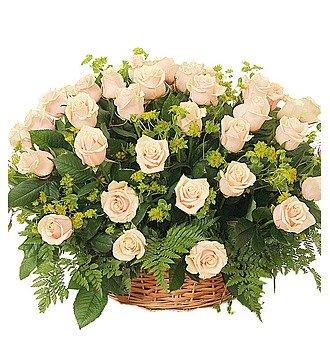 """Композиция из 101 розы """"Изысканный комплимент"""""""