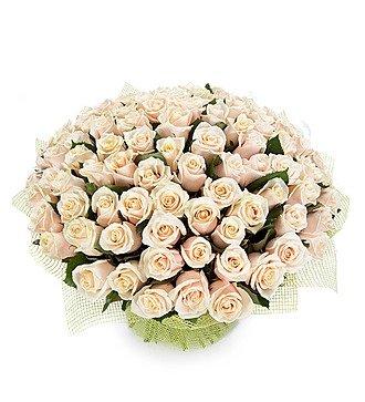 """Букет из 101 кремовой розы """"Королевский подарок"""""""