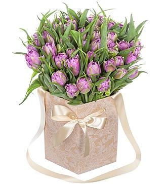 """Пионовидные тюльпаны """"Double Price"""" в вазе"""