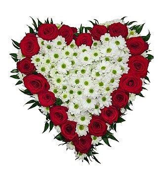 Цветочная композиция в форме сердца