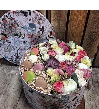 Коробка с цветами Поднебесье