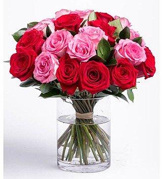 Букет из 21 розы в вазе