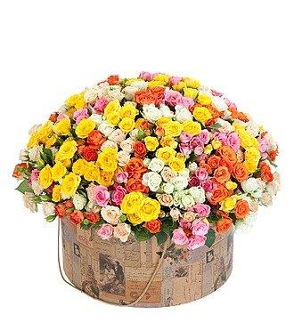 """Подарочная коробка из 101 кустовой розы """"Марокко"""""""