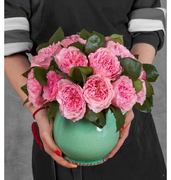 Композиция из пионовидных роз Mayras Rose композиция из 555 роз магия любви