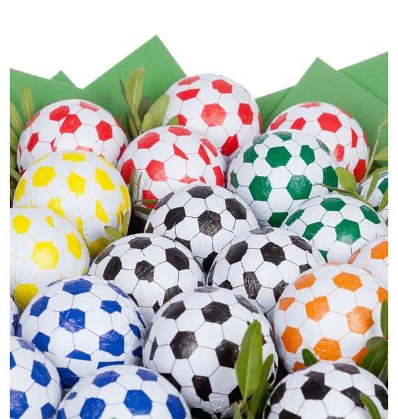 Букет из шоколадных мячей Футбол – фото № 4