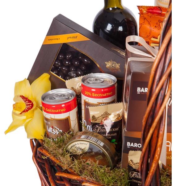 Подарочная корзина Всё в шоколаде (Красное вино в подарок) – фото № 2