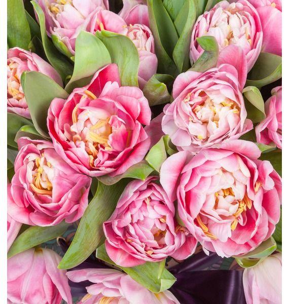 Пионовидные тюльпаны Foxtrot в вазе – фото № 4
