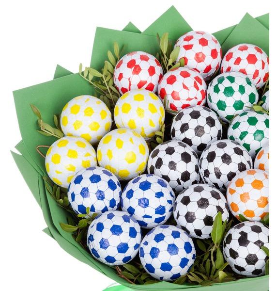 Букет из шоколадных мячей Футбол – фото № 2