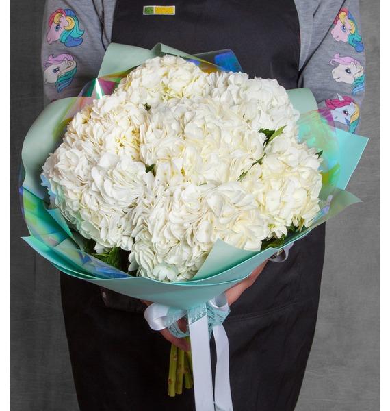 Букет белой гортензии (5, 7 или 9) стоимость