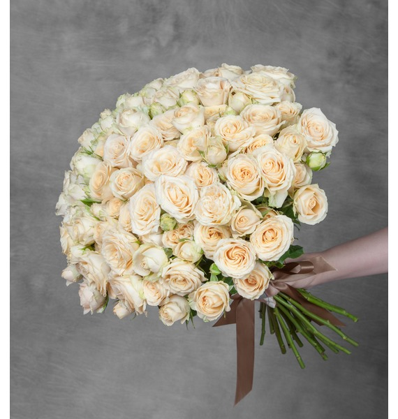 Букет из сортовой кустовой розы Salinero (25,51 или 101 роза) цена