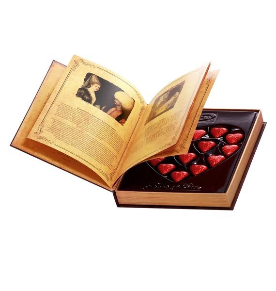Набор шоколадных конфет Книга любви