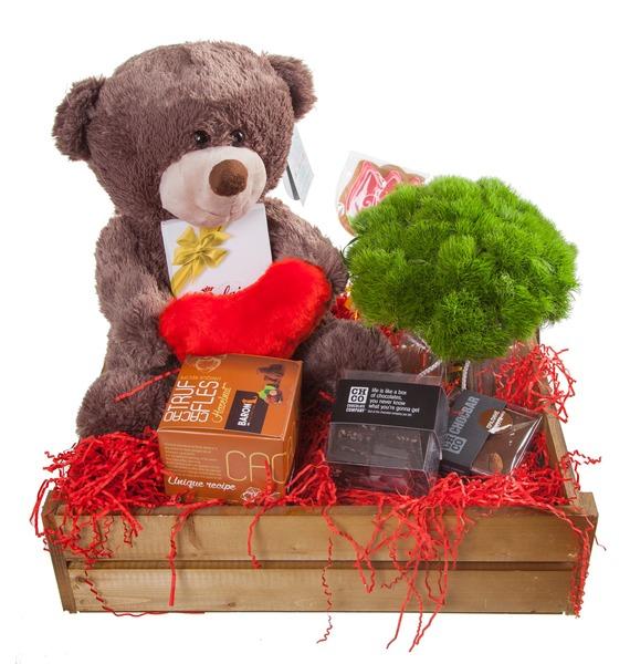 Подарочное кашпо с букетом С любовью! – фото № 5
