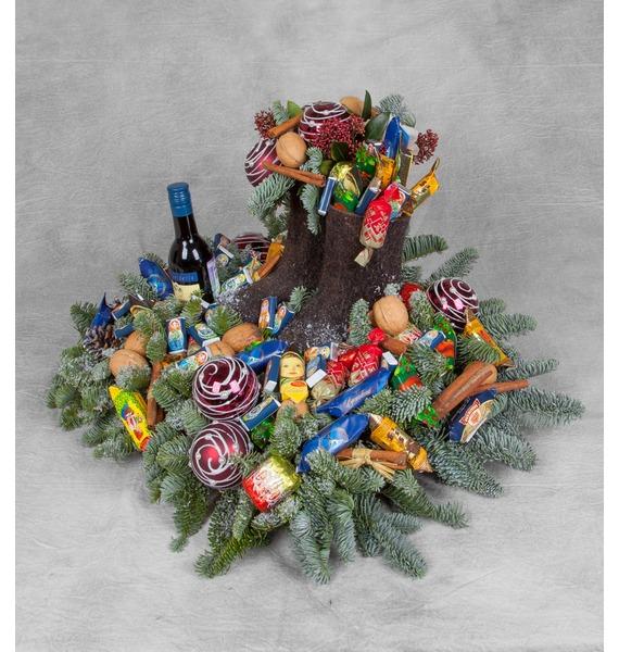 Композиция Новогодние сладости (Красное вино в подарок) – фото № 1