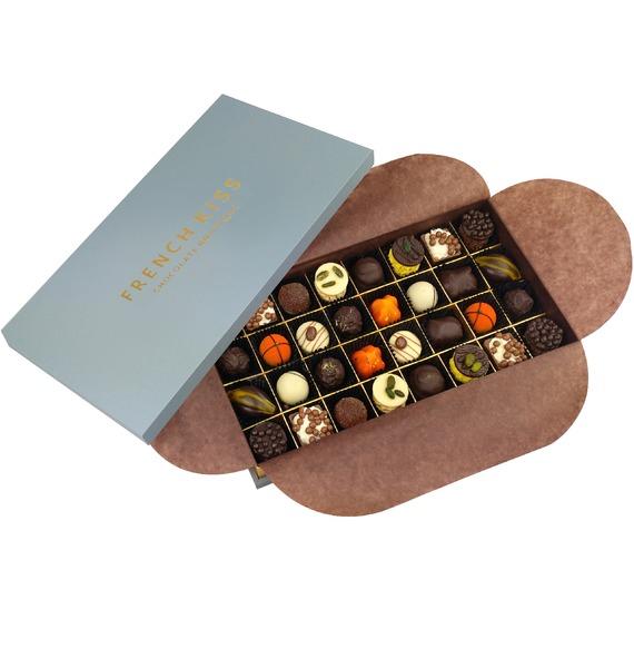 Конфеты ручной работы из бельгийского шоколада Сер-ла-Ронд merci набор конфет ассорти из шоколада с миндалем 250 г