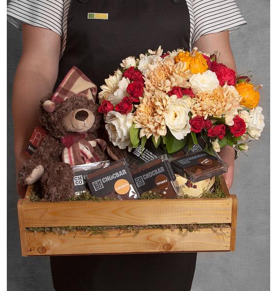 Подарочное кашпо с букетом Сладкие поцелуи подарочное кашпо для крепкого здоровья