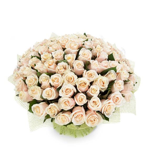 Букет из 101 кремовой розы Королевский подарок ковш idea деко розы 1 5 л