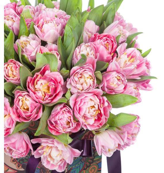 Пионовидные тюльпаны Foxtrot в вазе – фото № 3