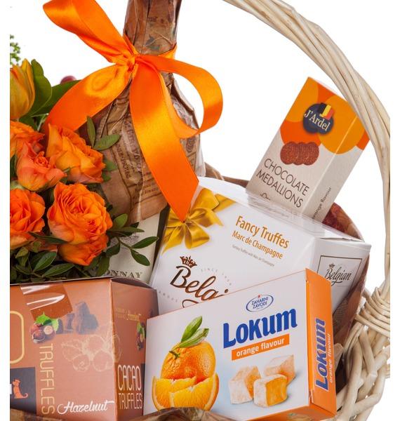 Подарочная корзина Оранжевый мир (Игристое вино в подарок) – фото № 2