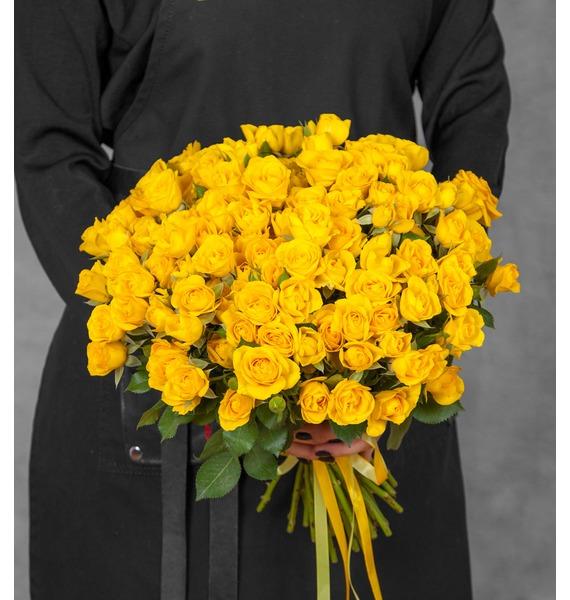 Букет из кустовых жёлтых роз (25, 51 или 101) цена в Москве и Питере