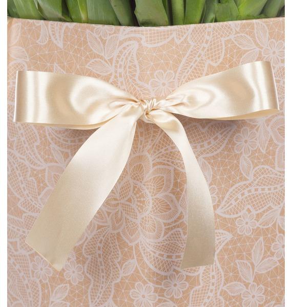 Пионовидные тюльпаны Double Price в вазе – фото № 5