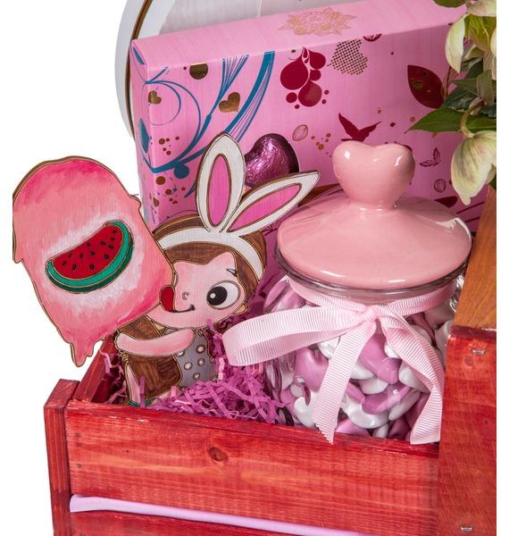 Подарочное кашпо с букетом Любимой принцессе – фото № 3