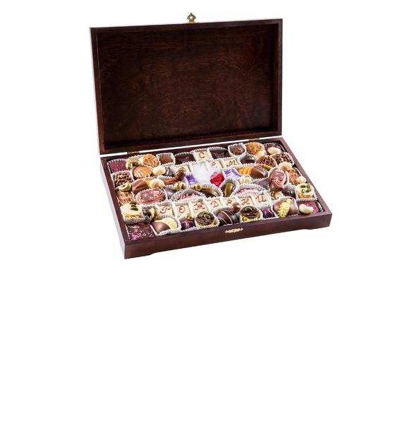 Шоколадный набор Для избранных шоколадный набор люблю
