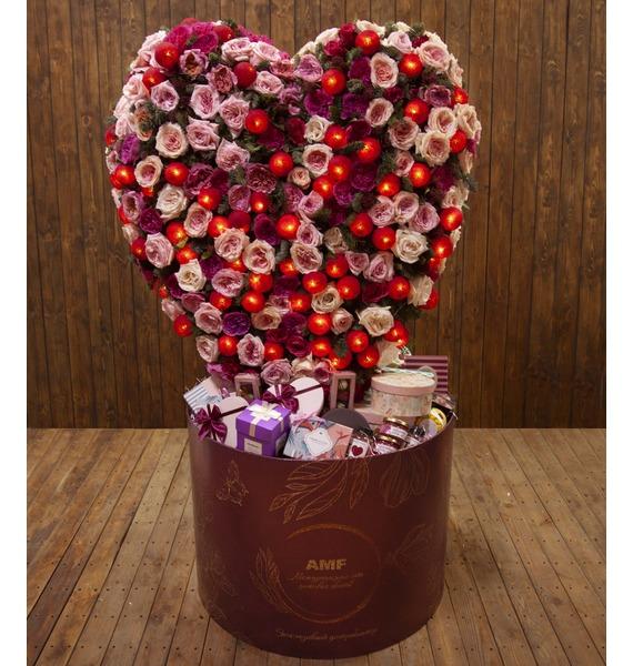 Фото - Подарочная коробка Горящее сердце подарочная коробка ангел