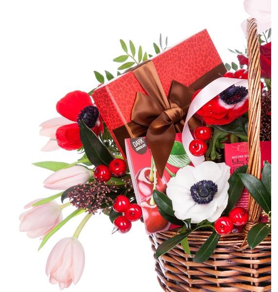 Подарочная корзина Вспышка чувств (Ликёр в подарок) – фото № 2