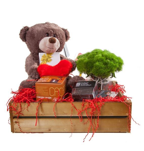 Подарочное кашпо с букетом С любовью! – фото № 4