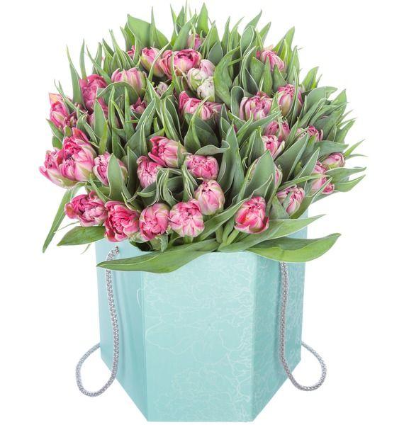 Пионовидные тюльпаны Flash Point в вазе – фото № 1