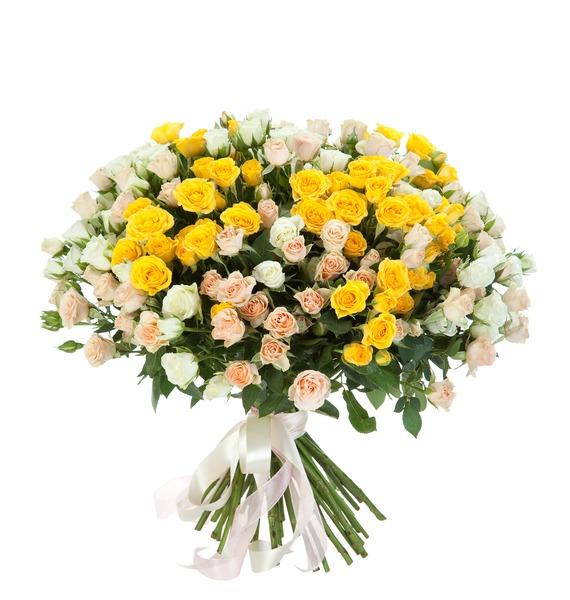 Букет из 51 кустовой розы Крем-брюле цена