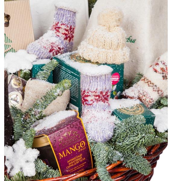 Подарочная корзина Зимняя забава (Игристое вино в подарок) – фото № 2