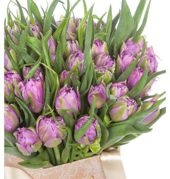 Пионовидные тюльпаны Double Price в вазе – фото № 3