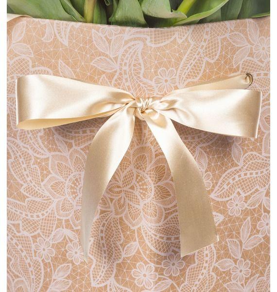 Пионовидные тюльпаны Robinho в вазе – фото № 5