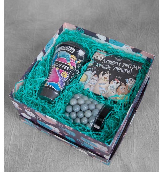 Подарочная коробка Креативному учителю! коробка подарочная на рождение ребенка большого размера