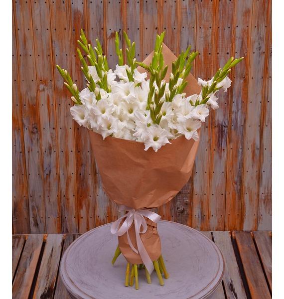 Букет-соло белых гладиолусов (5,7,9,15,25 или 35)