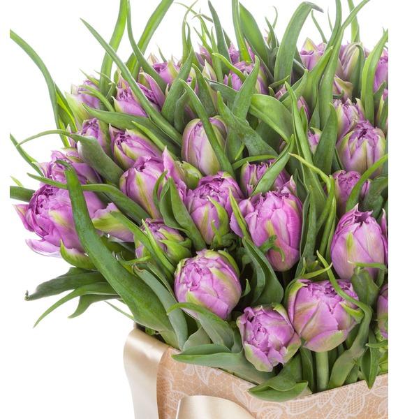 Пионовидные тюльпаны Double Price в вазе – фото № 2