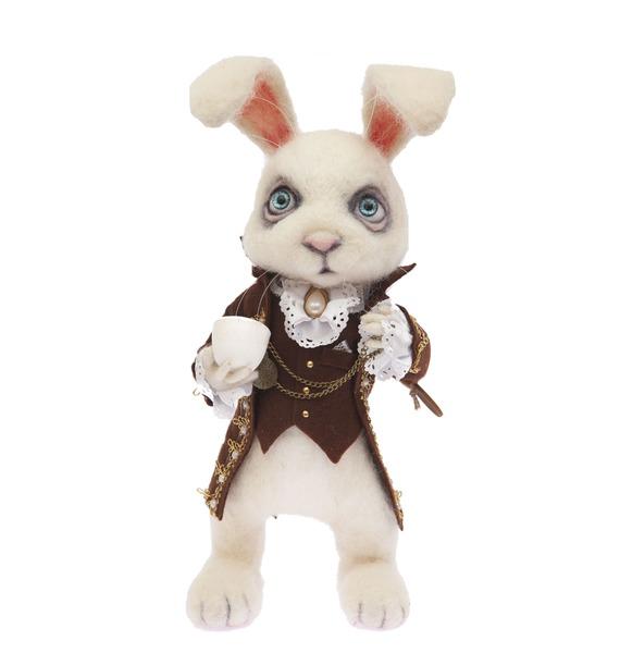 """Игрушка ручной работы """"Белый кролик"""""""