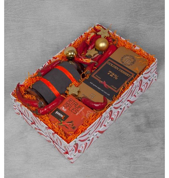 Подарочная коробка Very hot (Коньяк в подарок) – фото № 1