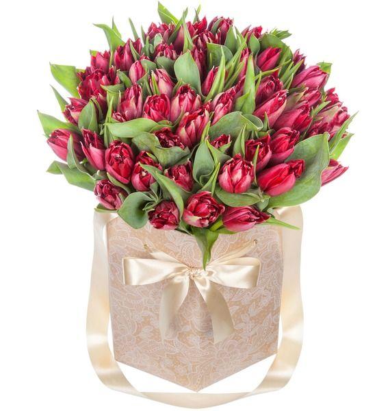 Пионовидные тюльпаны Robinho в вазе – фото № 1