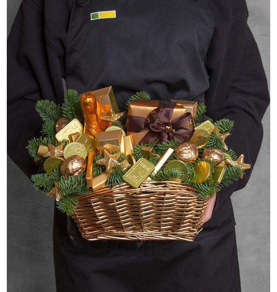 презент от айболита подарочная корзина с фруктами и сладостями Подарочная корзина Богатства и удачи