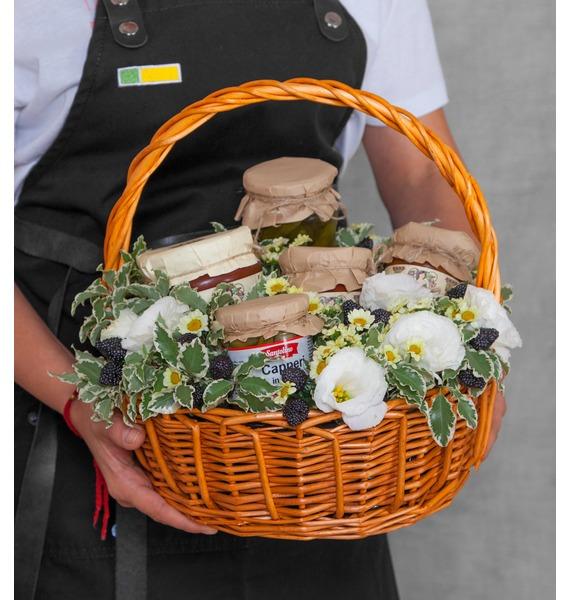 Подарочная корзина Овощное ассорти