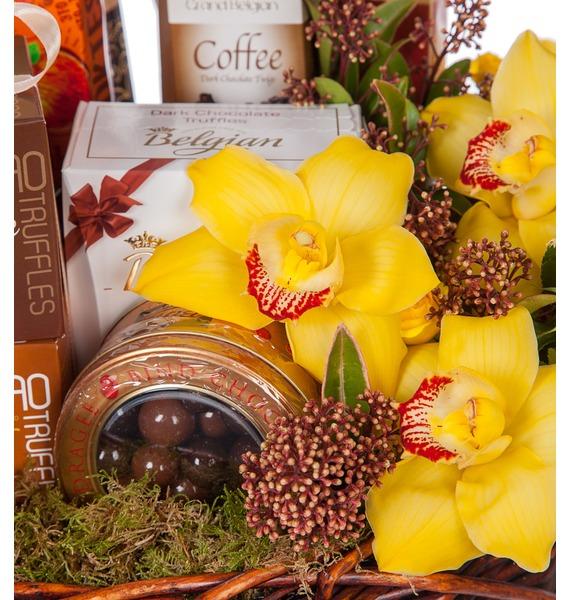 Подарочная корзина Всё в шоколаде (Красное вино в подарок) – фото № 3