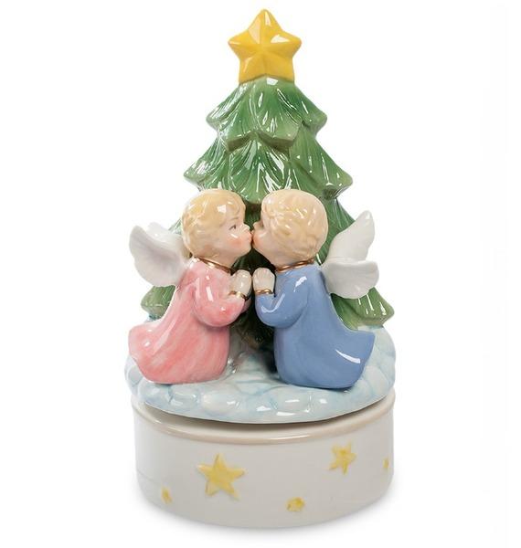 Музыкальная статуэтка Рождественский поцелуй (Pavone) статуэтка pavone мама с ребенком 13 13 18 см