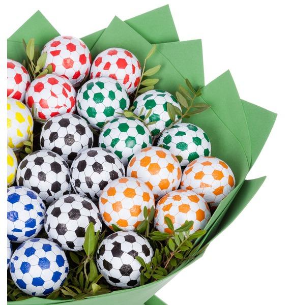 Букет из шоколадных мячей Футбол – фото № 3