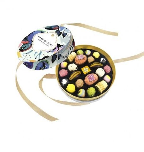 Конфеты ручной работы из бельгийского шоколада Флоксы матвеев и флоксы метельчатые